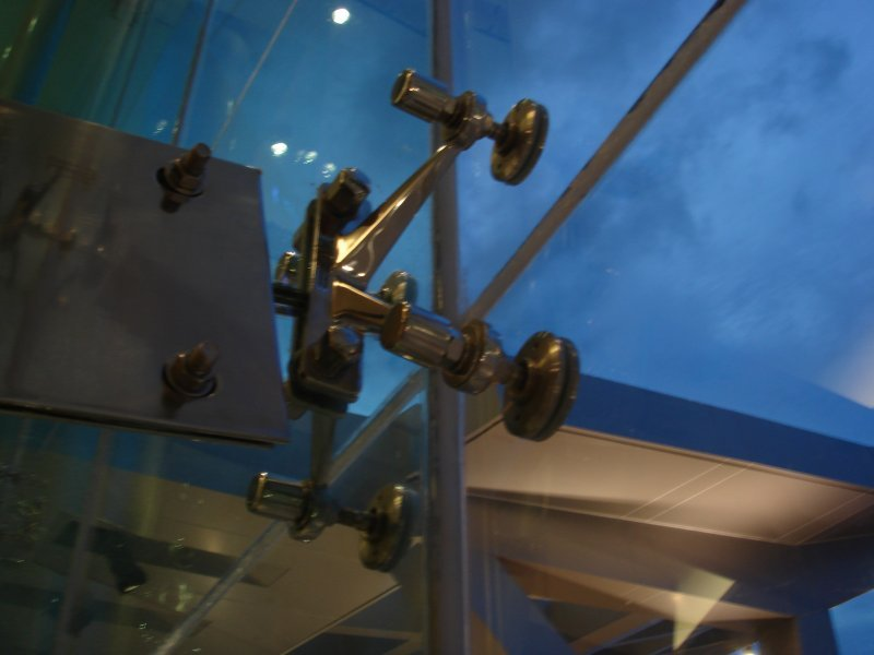 [:et]Spider-süsteemil klaasfassaad[:fi]Spider-järjestelmällä lasijulkisivu [:ru]Стеклянный фасад на системе Spider