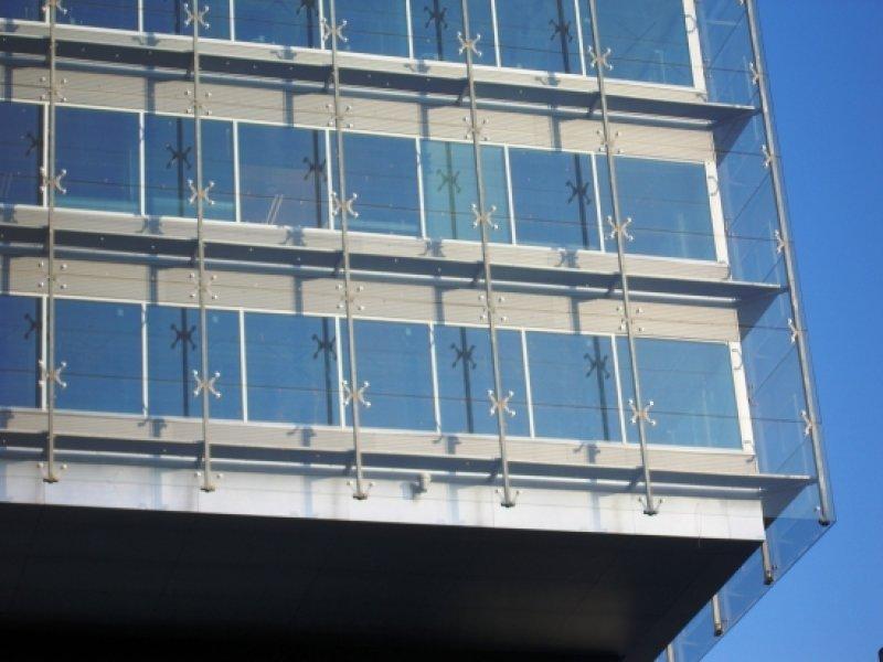 [:et]Külm klaasfassaad[:fi]Kylmä lasijulkisivu [:ru]«Холодный» стеклянный фасад