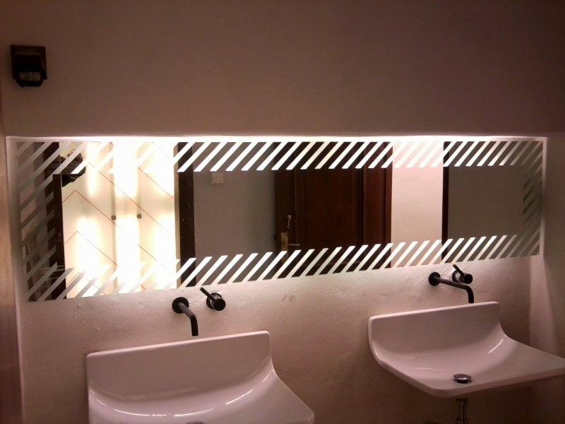 WC ruumi peegel