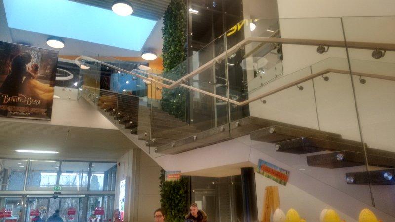 [:et] Viljandi Forum Cinemas klaaspiirded