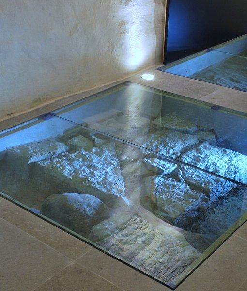 [:et]Klaaspõrandad muuseumis[:fi]Lasilattiat museossa [:ru]Стеклянные полы в музее