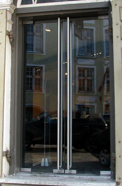 [:et]Klaasist uksed [:fi]Lasiovet [:ru]Стеклянные двери