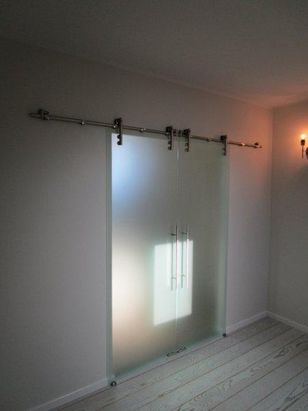 [:et]Klaasist lükanduksed[:fi]Lasiliukuovet [:ru]Стеклянные раздвижные двери