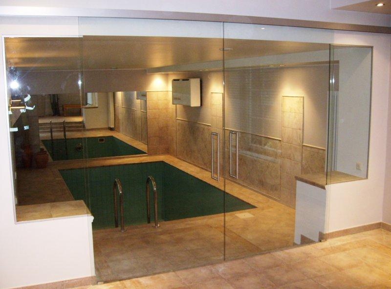 [:et]Kahepoolsed klaasist liuguksed[:fi]Kaksipuoliset lasiliukuovet [:ru]Двойные раздвижные двери