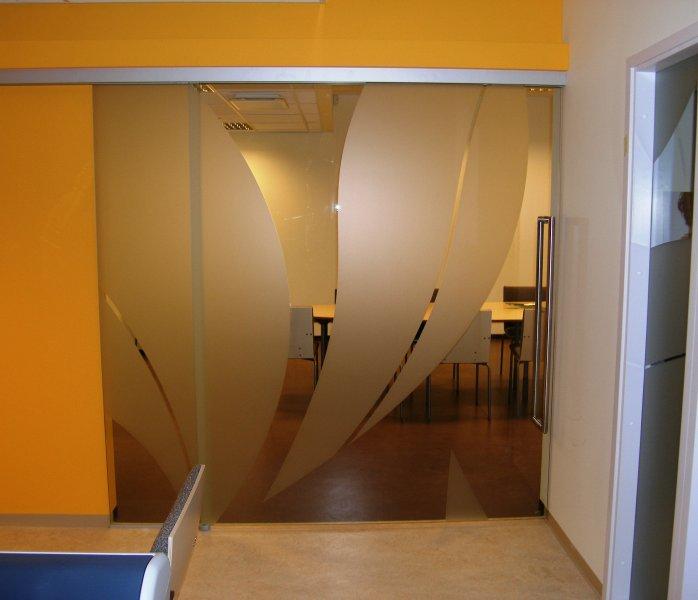 [:et]Suuremõõduline liuguks[:fi]Iso liukuovi [:ru]Большая стеклянная дверь