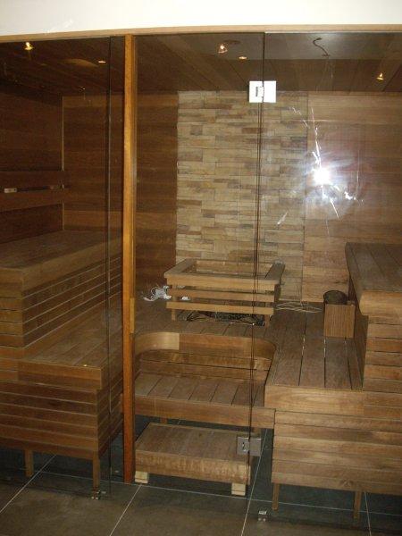 [:et]Sauna klaassein[:fi]Saunan lasiseinä[:ru]Стеклянная стена бани
