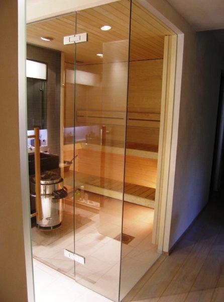 [:et]Klaasist sauna sein[:fi]Lasinen saunaseinä [:ru]Стеклянные стены сауны