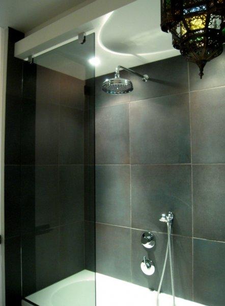 [:et]Vanni klaassein[:fi]Kylpyammen lasiseinä [:ru]Стеклянная стена в ванной